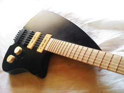 Thelema Headless guitar