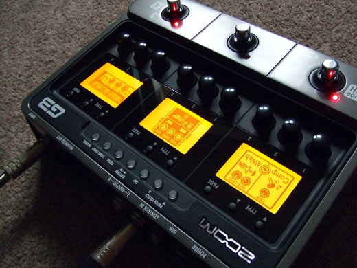 Zoom G3, the multi-effects unit powered up, doing it's thing