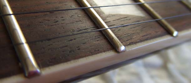 Vintage V100 frets,square-ish end profile